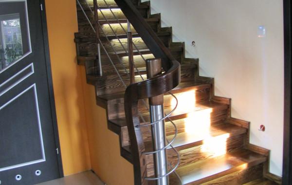 Schody na beton jesionowe – Lipinki