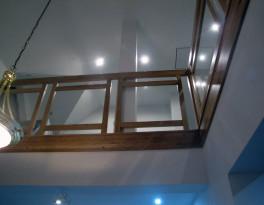 Balustrada – szyba w drewnianej ramie