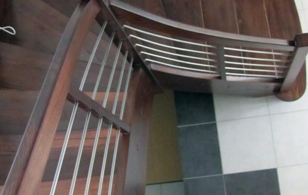Balustrada drewniana, pręty poziomo