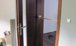 Drzwi-Debowe-Oblogowane-szyba-15cm-pion—(2)