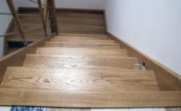 schody-q-debowe-z-podestem-kolor-giovanni-bpa-06-prety-inox-22