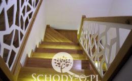 Schody-Q-Na-beton-Debowe-natura-(-czarne-zaprawki)-balustrada-LVL-biala-(9)