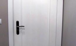 Biale-sosnowe-drzwi-stylowe-(1)