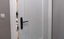 Biale-sosnowe-drzwi-stylowe-(8)