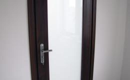Drzwi-sosnowe-SZyba-na-cala-dlugosc-orzech-(10)