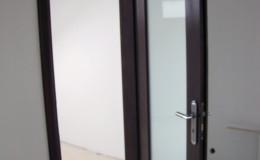 Drzwi-sosnowe-SZyba-na-cala-dlugosc-orzech-(8)