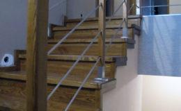 Wloclawe-schody-na-beton-CNC-po-skanowaniu-Balustrada-stal-nierdzewna—drewno-jesion-(10)