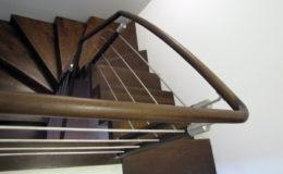 schody-q-dywanowe-jesionowe-orzech-porecz-okragla-plock-14