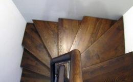 schody-q-dywanowe-jesionowe-orzech-porecz-okragla-plock-9