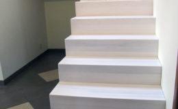 schody-q-dywanowe-jesionowe-bielone-2-podesty-grudziadz-3
