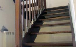 schody-q-jesionowe-z-podestem-tralka-walek-kwas-3