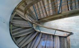 schody-q-giete-jesionowe-grudziadz-balustrada-ptery-inox-kolano-start-10