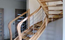schody-q-giete-jesionowe-grudziadz-balustrada-ptery-inox-kolano-start-15
