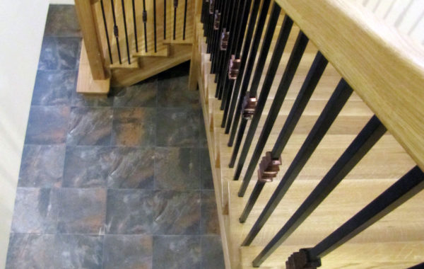 Schody-Q – schody samonośne dywanowe dębowe