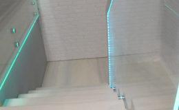 Schody-Q jesion bielony balustrada szyba dokrecana Grudziadz (5)
