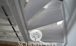 Schody-Q-Policzkowe-jesionowe-bielone-balustrada-listwa-poziomo–rura-inox-pion_3